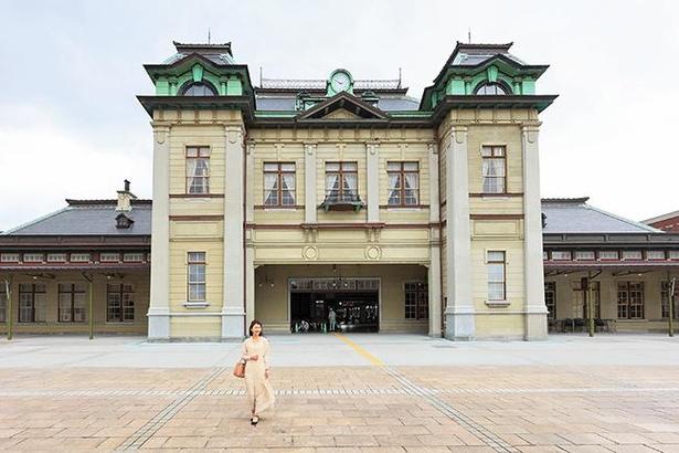 関門エリアを代表する建築物であるJR門司港駅