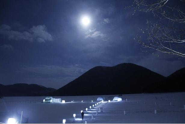 【写真】夜になると大自然の風景は顔を変える。昼も夜も過ごしたいスポットだ