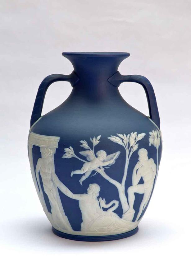 ウェッジウッド《ポートランドの壺》19世紀(1790年頃完成) 個人蔵