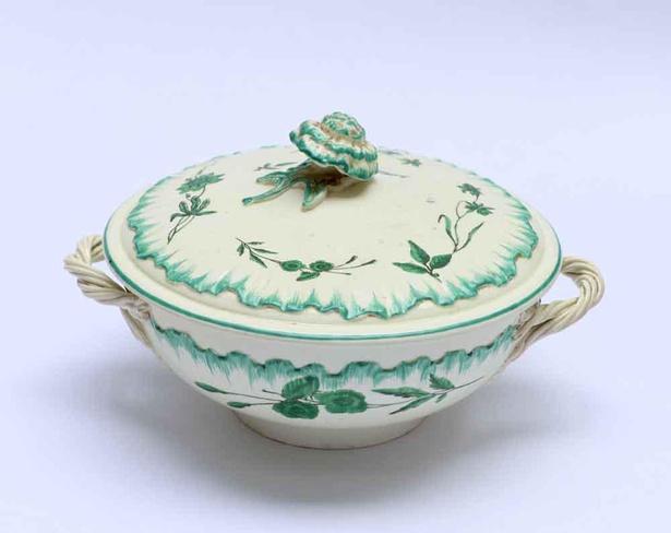 ウェッジウッド《蓋付き皿(クイーンズウェア)》1765-1770年頃 個人蔵