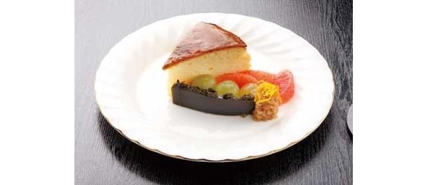 美人になれちゃう?ホテル桜の「温泉豆腐のチーズケーキ」(550円)