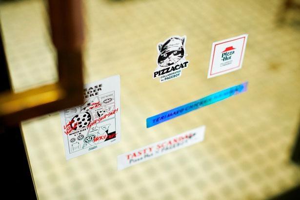 ステッカー1320円。スマホケースに貼ってもかわいい!
