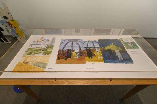 20周年記念アート『ノートルダム』の下絵や、日本の風景のスケッチなどを展示
