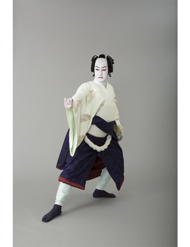 """自主公演""""研の會""""第1回公演、23歳のときの写真"""