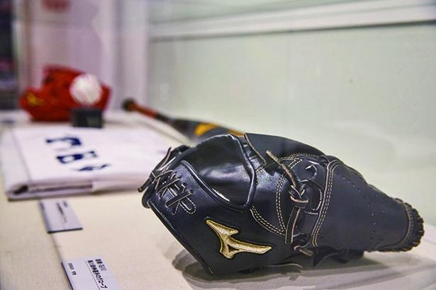 2018年の選抜から4季連続で甲子園出場を果たした奥川恭伸選手(星稜高校)のグローブ