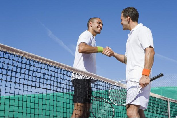 """1年ぶりのツアー復帰を勝利で飾ったフェデラー、「テニス」だけではなく「人間的魅力」でも""""王者""""であるワケ"""