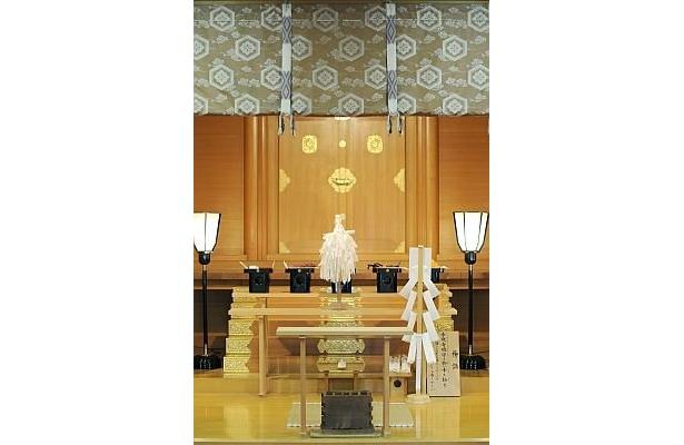 「出雲大社東京分祀」の拝殿(しで)。出雲大社の東京唯一の分祀として、明治11年に千代田区の神田神社内に祀られたのが始まり