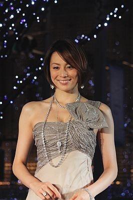 点灯式に登場した米倉涼子さん