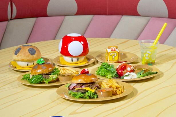 ボリューミーな「マリオ・バーガー ベーコン&チーズ」をはじめ、デザートなども楽しめる