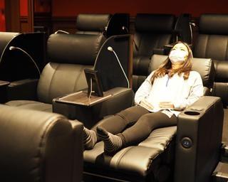 1席4000円の映画館とは?心斎橋PARCOの「シアタス心斎橋」に行ってみた