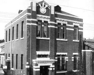 100年前に完成した銀行だった頃を振り返る、群馬県みどり市で「大間々銀行と小林力雄-知られざる名建築家の業績-」が開催中