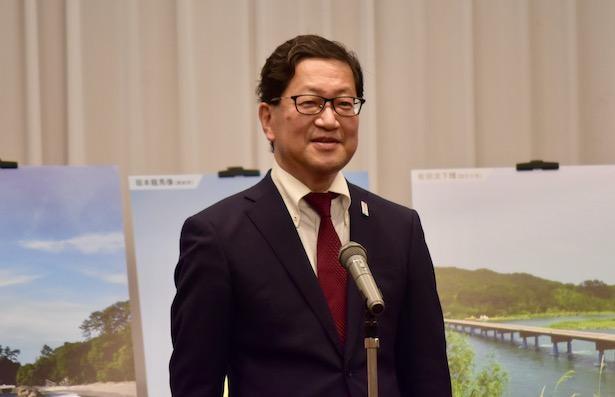 藤川に絶大な信頼を寄せている濵田省司高知県知事