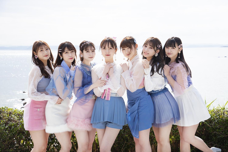 7人組ユニット・Chouのメンバー(左から、宮﨑想乃、山下エミリー、松岡菜摘、森保まどか、神志那結衣、栗原紗英、神志那結衣、松本日向)が友情出演。仲良し2ショットカットや、直筆の手紙交換も (C)KADOKAWA  (C)Mercury   PHOTO/TANAKA TOMOHISA