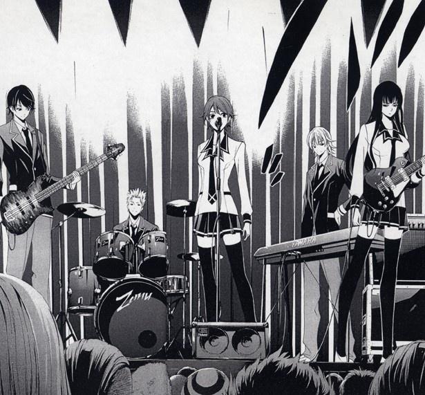 バンド結成後、高校の学園祭で初ライブを披露