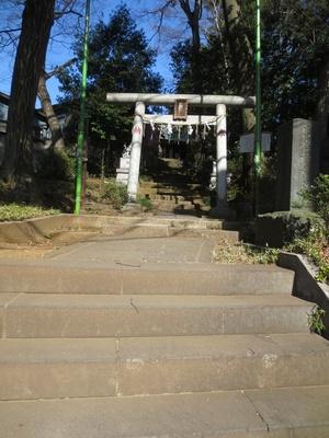 長い階段が印象的な「出世稲荷神社」。著者の瀬尾公治さんもここで祈願したそう