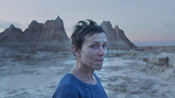 アメリカ西部で車上生活者を送る人々の生き様を描いた、映像美にも目を奪われるロードムービー