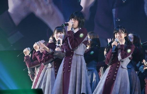 【写真を見る】人気急上昇中のアイドルグループ「欅坂46」