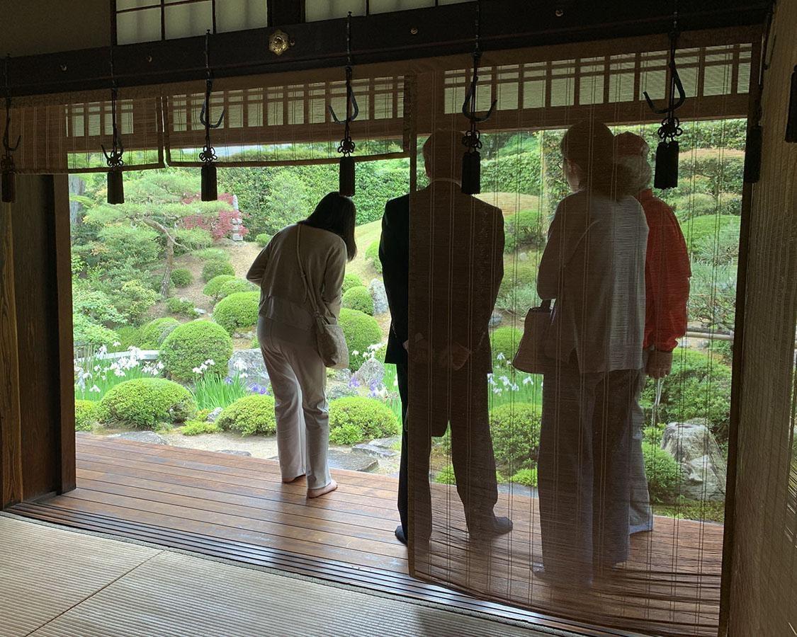 歴史的名所をガイド付きで見学、滋賀県栗東市の「旧和中散本舗」で春の特別公開を実施
