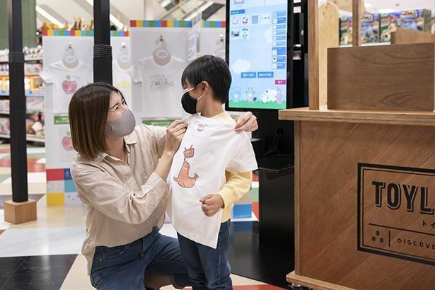 子供の描いたイラストがTシャツにプリントできるサービスも