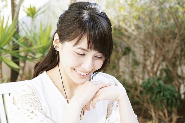 中島愛がハイレゾを初試聴! ハイレゾ楽曲の聴きごこちは?