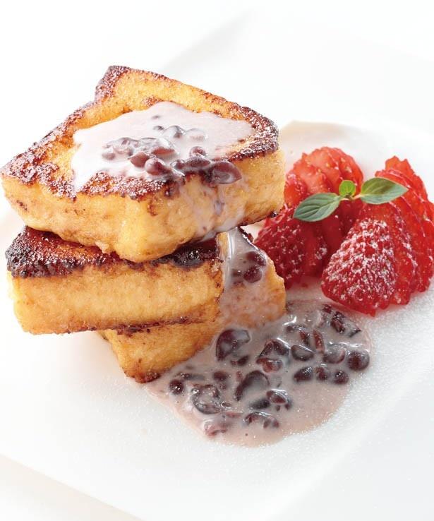 「ナイトテーブルレストラン」の「フレンチトースト あんことホイップクリーム」(400円)