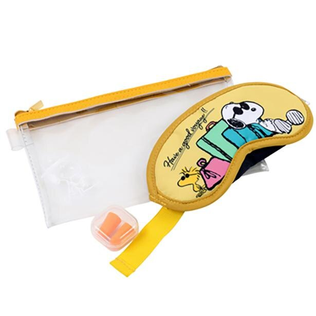 【写真】スヌーピーのイラストがとってもキュート!クリアポーチ、耳栓、アイマスクがセットに