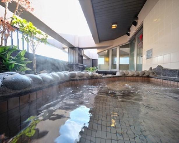 スカイツリーを眺めながら大浴場を堪能