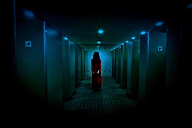 トイレを舞台にした「戦慄!トイレの花子さん」のイメージ