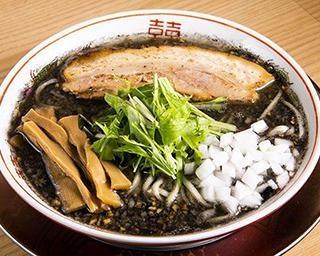 """東京の煮干しラーメンの人気店「煮干そば 流。」が名店インスパイアの""""イカ""""れた限定麺を考案!"""
