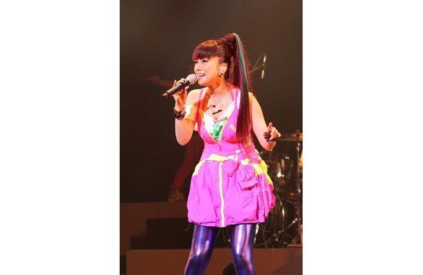 ピンクの衣装がまたカワイイ!!
