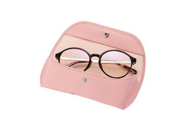 大事なメガネを優しく守ってくれる