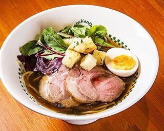 池袋のユーグレナ麺で知られる人気ラーメン店「麺屋 六感堂」がオマール海老の限定麺を考案!