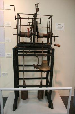 ヨーロッパの鉄枠塔時計