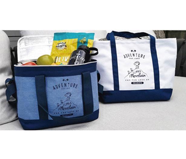 【写真】いつものお買い物にも使える、スヌーピーの保冷バッグ