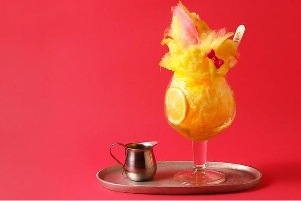 【写真】新発売となるハリエットのかき氷。トレードマークのピンクのリボンにも注目!