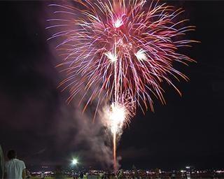 2週間毎日花火が打ち上がる!2021年「諏訪湖サマーナイト花火」を徹底紹介!今年はいつ開催?