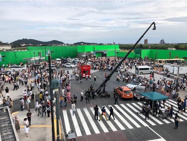 『唐人街探偵 東京MISSION』渋谷スクランブル交差点のオープンセット