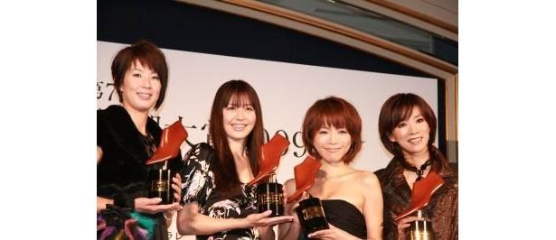 第7回クラリーノ美脚大賞はこの4人! 浦田聖子さん、長澤まさみさん、釈由美子さん、真琴つばささん