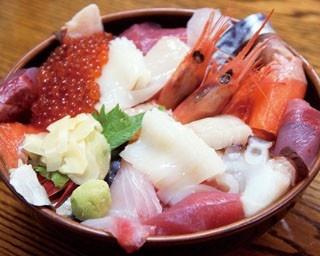 瑠玖&魚平「特盛海鮮丼(1944円)」