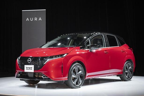 新次元の電気の走りと上質さをまとったAURA e-POWER