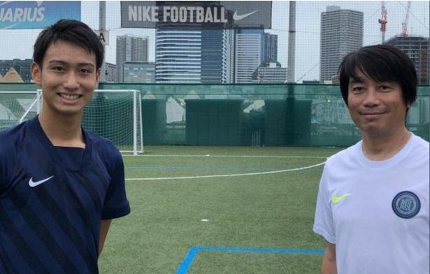 【画像】世界的ビッグクラブ、レアル・マドリ―のアカデミーに所属し、トップチームの練習にも参加している17歳のMF中井卓大選手(左)と中西(右)