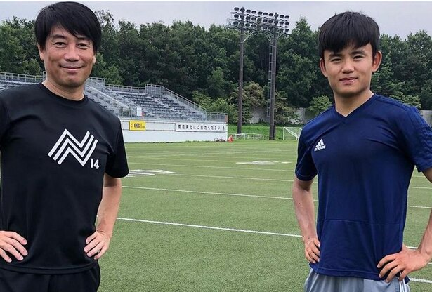 2020〜2021シーズンを中西(左)とのパーソナルトレーニングで始動した久保建英選手(右:レアル・マドリード所属、現在ヘタフェにレンタル移籍中)