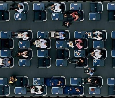 """ビジネスクラスのシートは、互い違いになっていてすべてのシートが""""通路側""""になる仕組み"""