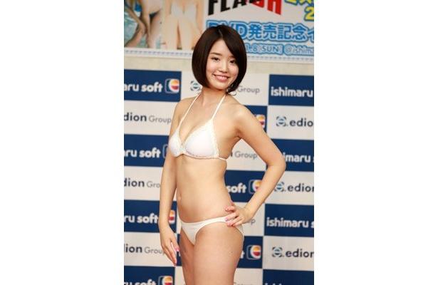 「ミスFLASH2009」グランプリの柳本絵美は現役の高校2年生