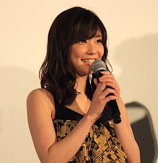 舞台挨拶に登壇した倉科カナ