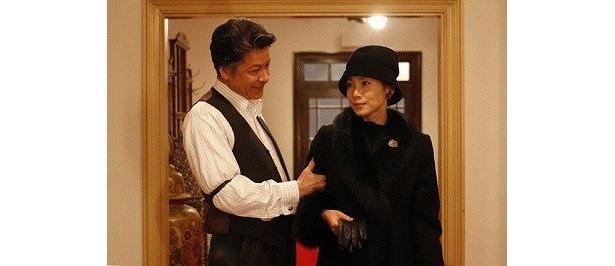 社長夫人を演じた中谷美紀のゴージャスな衣装にも注目