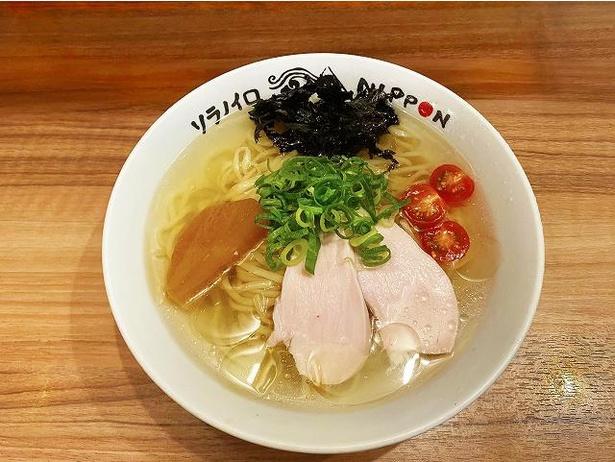 極上いりこをたっぷり使用した、味わい深いスープのソラノイロ・NIPPON「冷たい煮干しの潮ラーメン」(980円)
