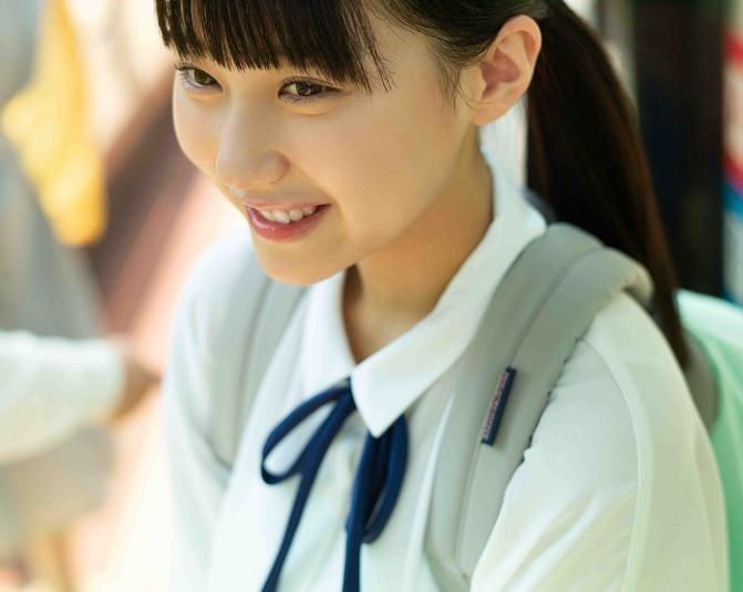 HKT48田中美久が寝起きのスッピンも披露!誕生日にファースト写真集を発売!