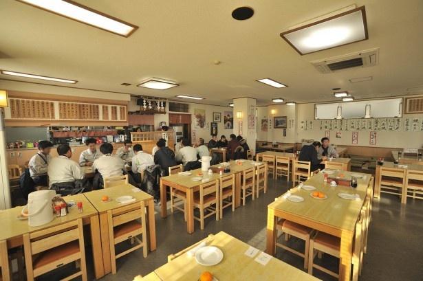 民宿 青塚食堂/店内のようす