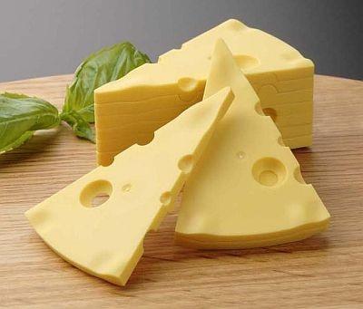 1つ1つのピースも本物そっくり!「とけないチーズ」